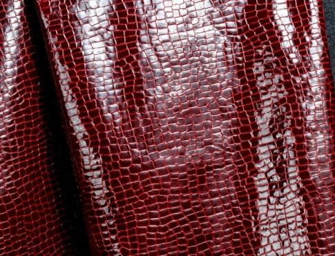 Галантерейная кожа Лак кукуруза бордо на красном