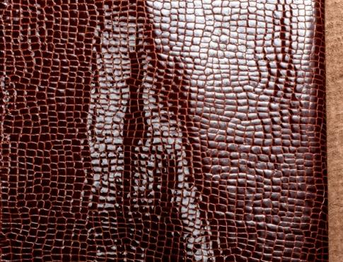 Галантерейная кожа Лак кукуруза бордово коричневый